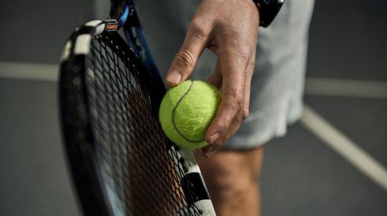 serw w tenisie